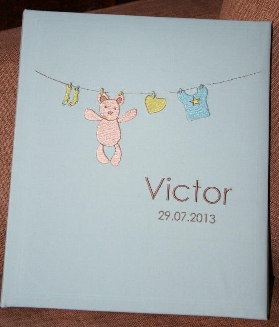 Album photos de Victor broderie personnalisée