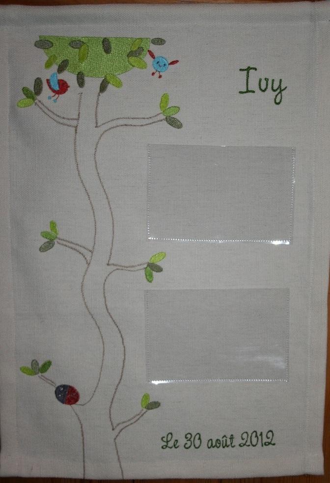 Porte-photos brodé et cousu pour Ivy