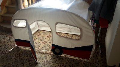 Caravane des enfants en tissu
